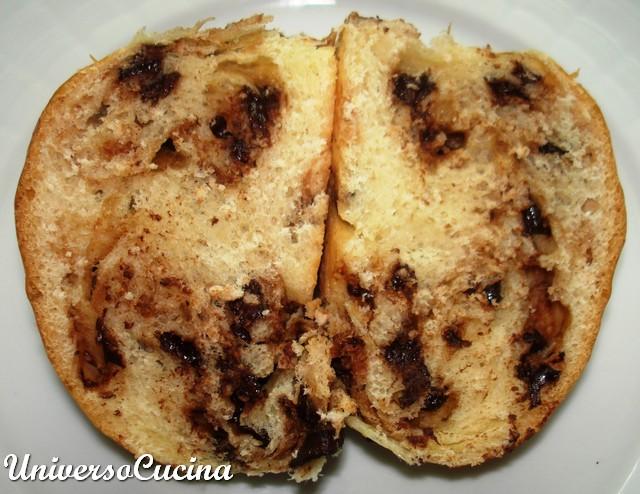 Un panino tagliato per controllo alveolatura